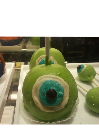Disney Goofy Candy Co - Caramel Apple - Mike Wazowski