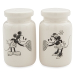 Disney Salt and Pepper Shaker Set - Classic Mickey and Minnie Mouse