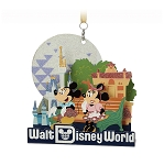 Disney Diorama Ornament - Mickey and Minnie Mouse - Disney Park Life