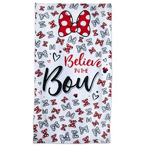 Disney Beach Towel - Minnie Mouse - Believe in the Bow