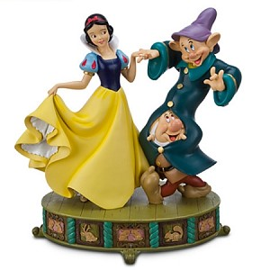 Disney Medium Figure - Snow White and 2 Dwarfs